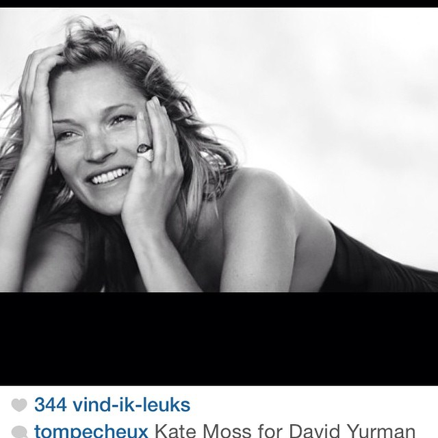 #katemoss she looks quite different here. Her smile changed?