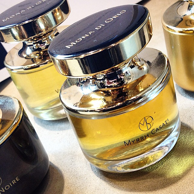 The #perfume #bottles of #monadioiro are beautifully restyled. Excellent choice #jeroendoudesogtoen and congrats with your new #myrr perfume! #skinscosmetics
