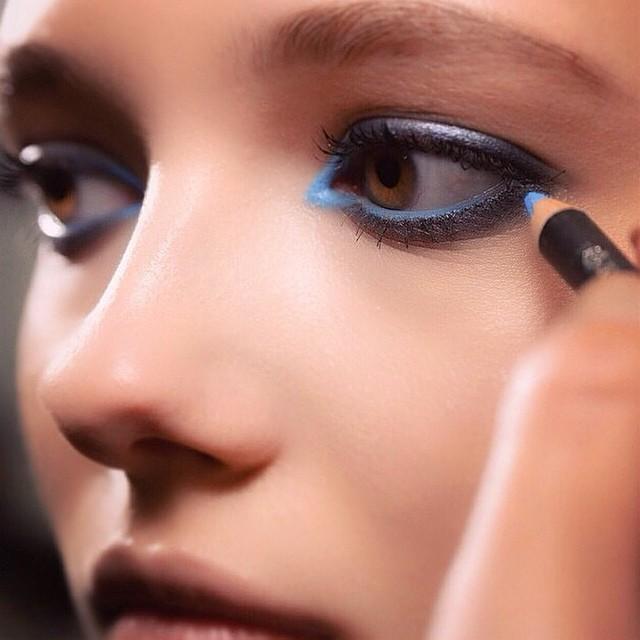 @tompecheux @elisaab #ss15 #maccosmetics #blue #eyeliner