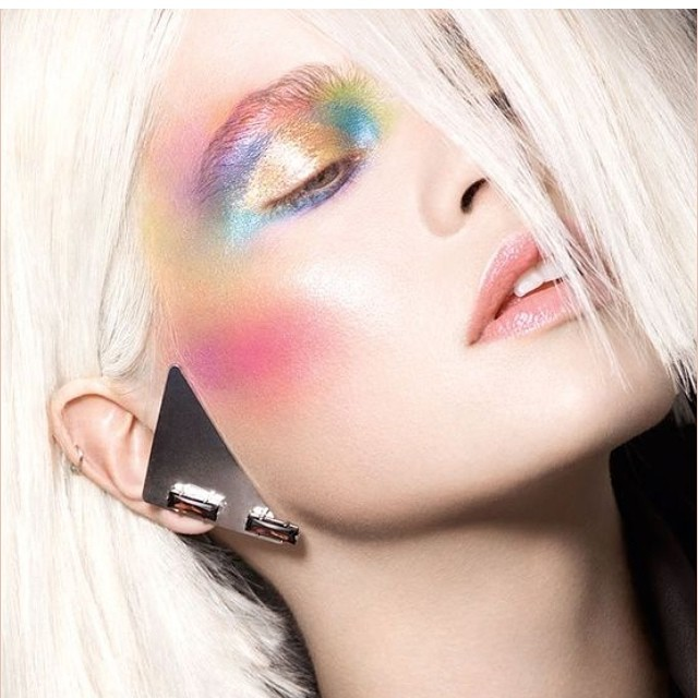 Painting yourself into #spring #eyemakeup #colors #pastel