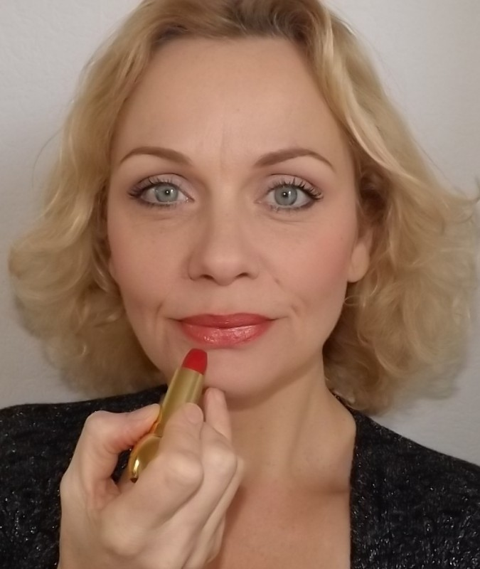 Review Dior Shock Lipstick swatch
