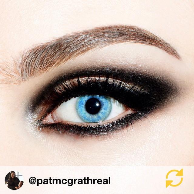 RG @patmcgrathreal: #Love!! ?❤??? #CoutureCloseup !! #Black intense graphic smoky eye✨? #makeupbypatmcgrath #makeup #patmcgrath #fashion #obsessed #backstage #bts #Paris #fashionweek #pfw #latergram ?? #regramapp