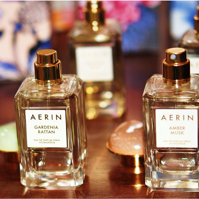 Wow, what an adorable happy and elegant fragrances Aerin Lauder created and very French inspired. Delicate like a soft breeze in spring. My favorite is gardenia rattan. Eau de parfum sprays 50 ml. @esteelauder #perfume #gardenia @aerinlauder