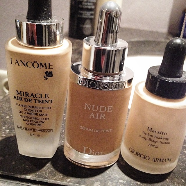 Which one of these new breed of watery foundations do I prefer most, you think? @lancome @dior @armani #foundation #instabeauty #trend @beautyjournaal_daily