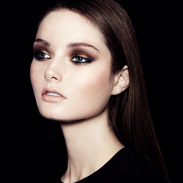 Nothing beats a good #copper and #bronze eye? #instabeauty #inspiration #instabeauty @beautyjournaal_daily #eyemakeup