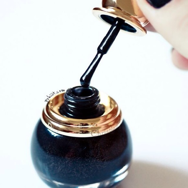 Love the #jar at @dior #black #nailpolish #trend #inspiration @beautyjournaal_daily