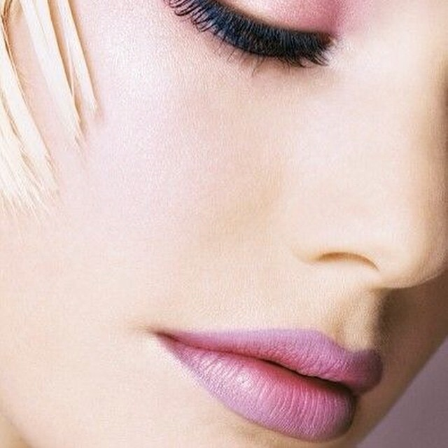 Ohhh i love this #lip #makeup , the beautiful build up of these cool toned pink nude colors #dior
