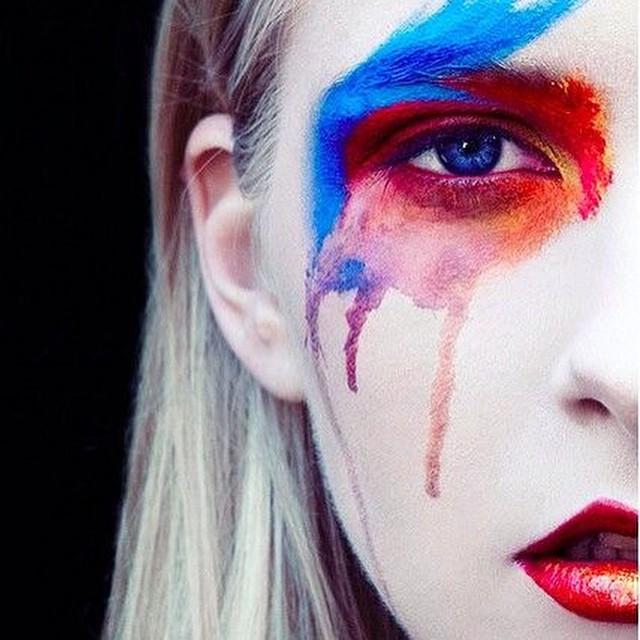 Reminds me of #ecoline #eyes #trend #inspiration #instabeauty @beautyjournaal_daily