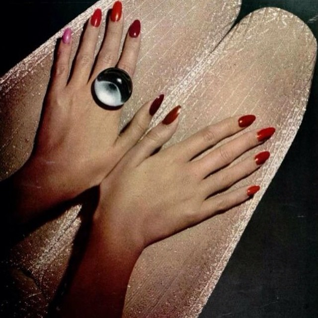 Playing with #metallics 1972 #stockings #rednails #lurex #inspiration @beautyjournaal_daily