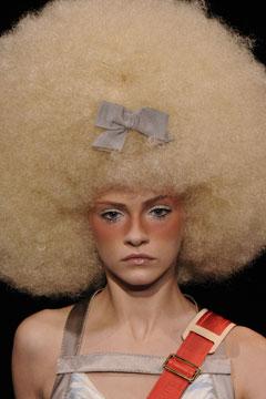 Afro coupe bij Louis Vuitton