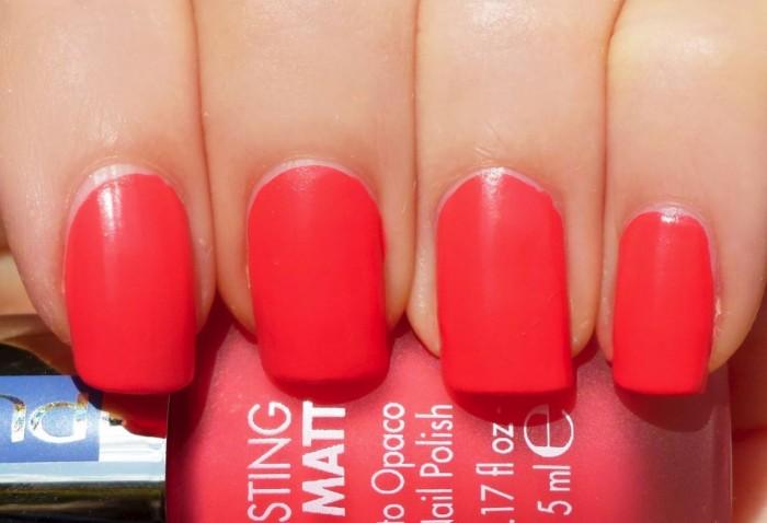 koraalkleurige nagellak