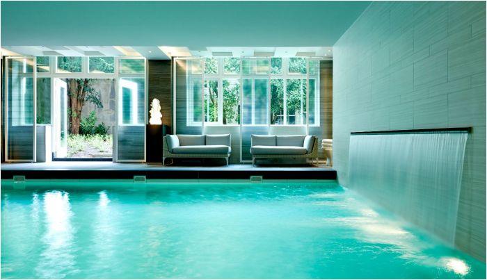 waldorf guerlain pool