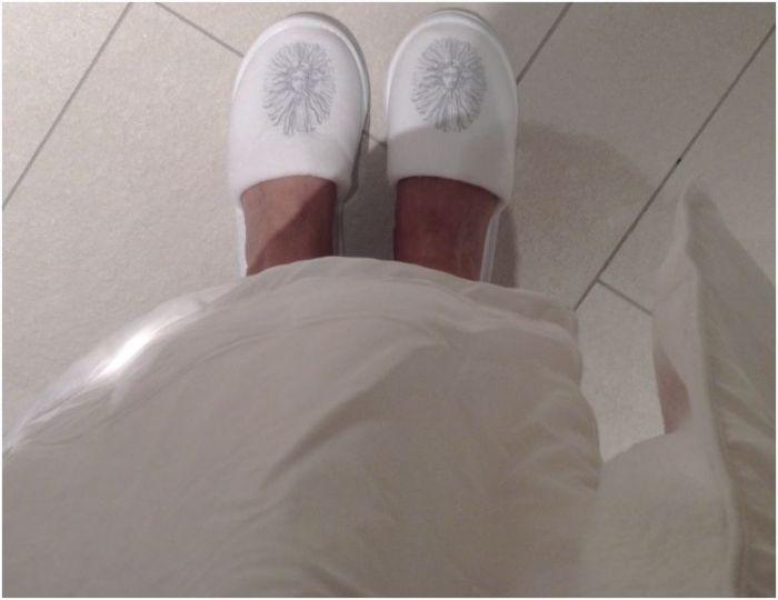 waldorf guerlain slippers