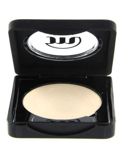 make-up studio concealer