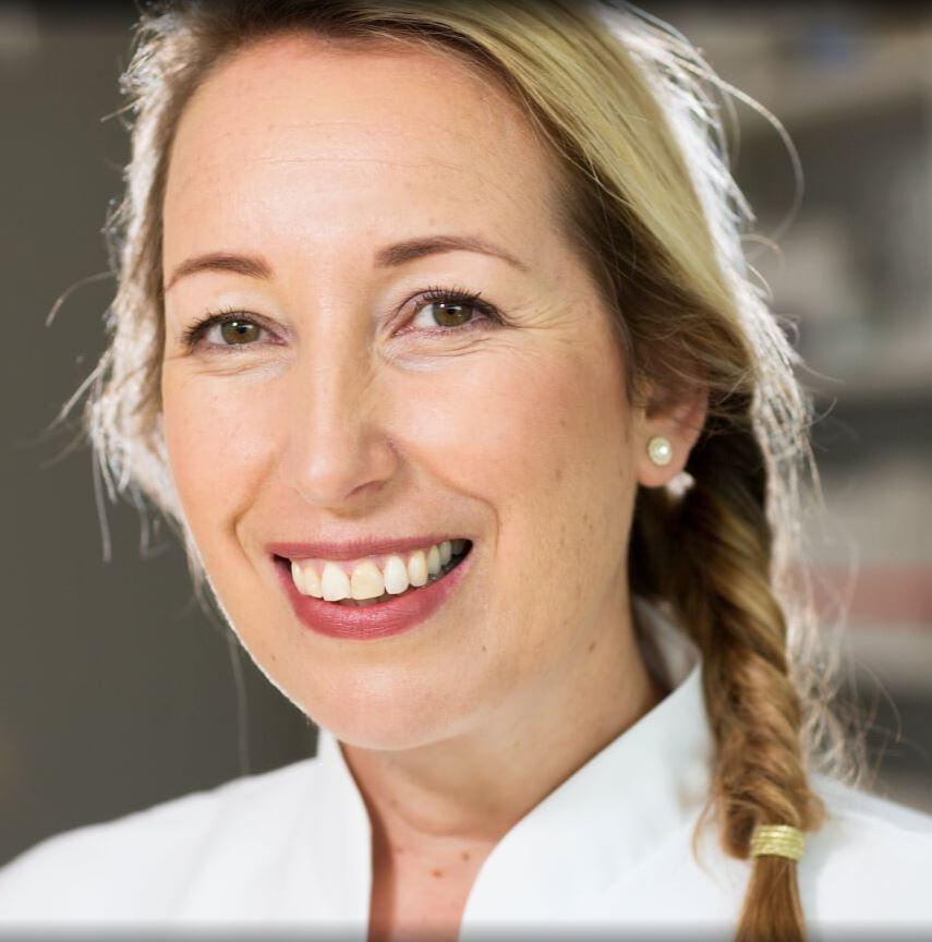 Simone van den Bos