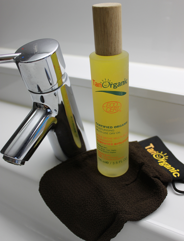 TanOrganic Scrubhandschoen en Dry Oil