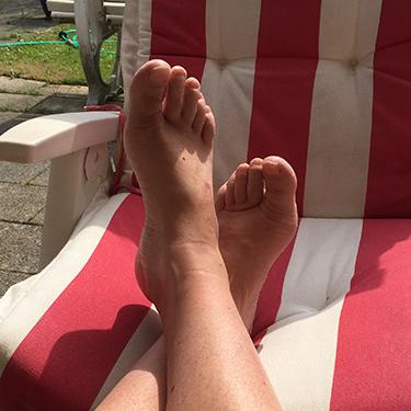 Mick voeten verzorgen
