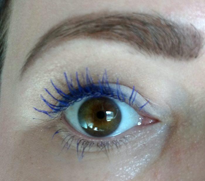 HEMA Watch me wink blauw aangebracht