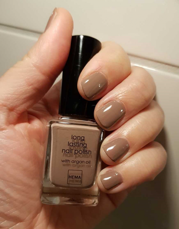 HEMA Nail Polish Cool Coffee