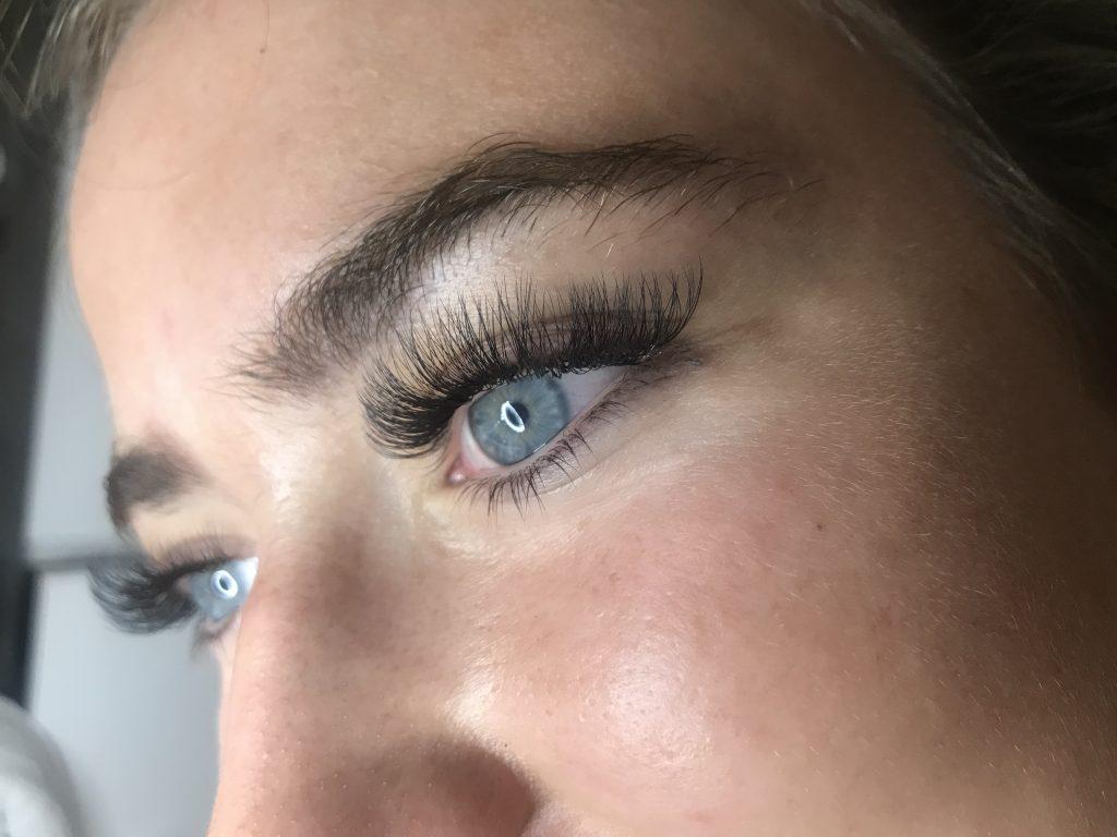 mooie eyelashes van sharon kleine schaars