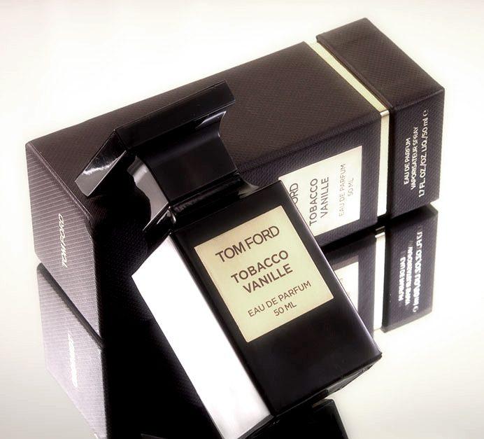 Maxim bezoekt een mannenclub met Tobacco en Vanille van Tom Ford